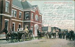Fire Department, Engine, New London, WI Wisconsin - 1915 Postcard
