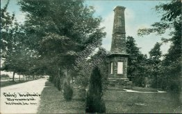 Chief Keokuk Monument, Keokuk, IA Iowa - Early 1900's Postcard
